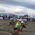 ライフセーバーが行なう、走力や反射神経を鍛えるためのスポーツ【ビーチ・フラッグス】のルール、費用、必要な道具など